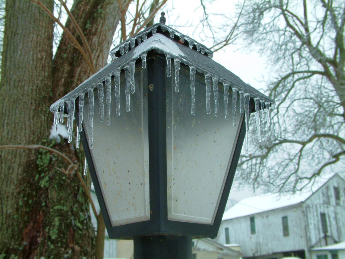 Lightpost with icicles