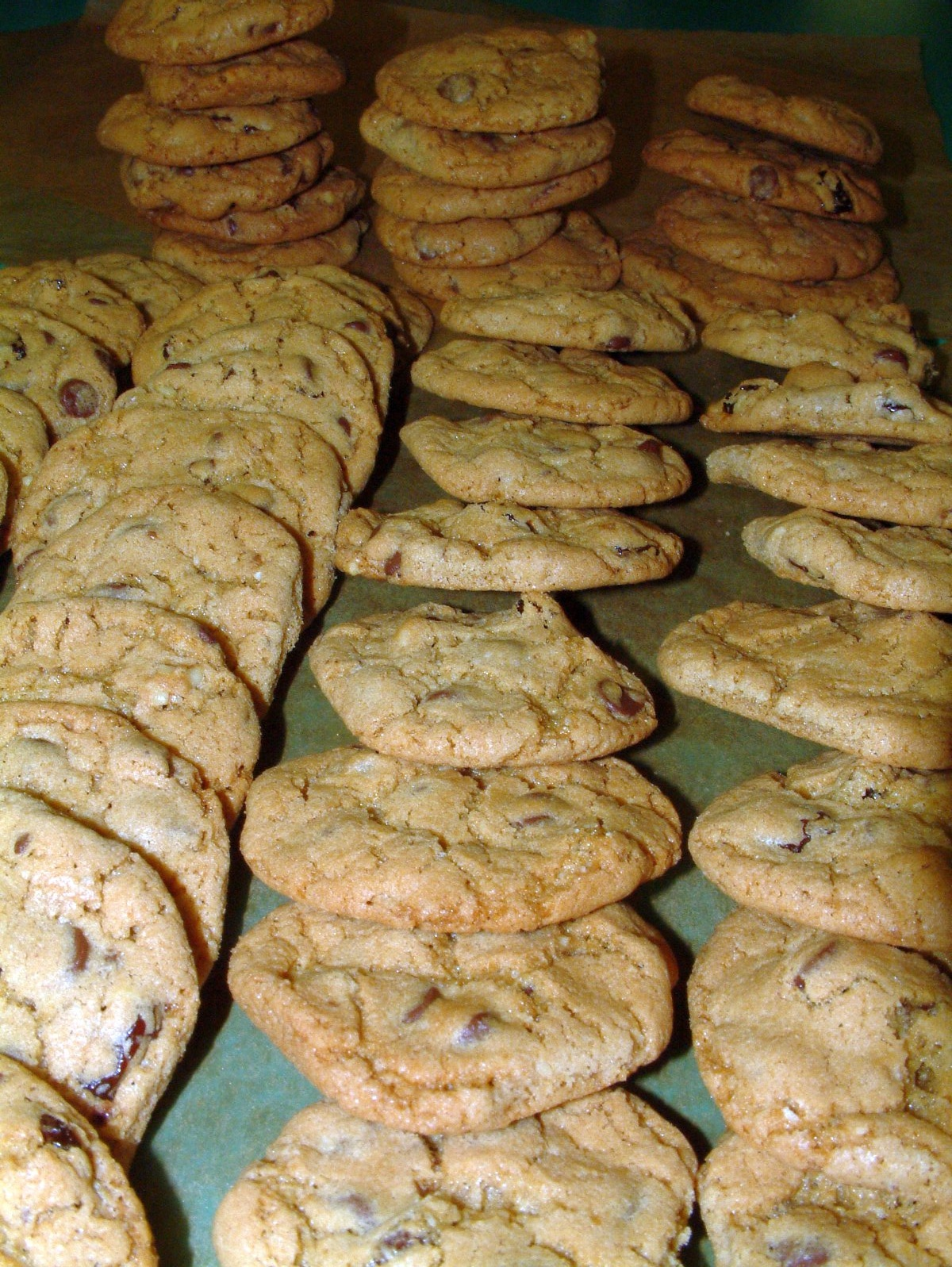 More Cookies Line Up!