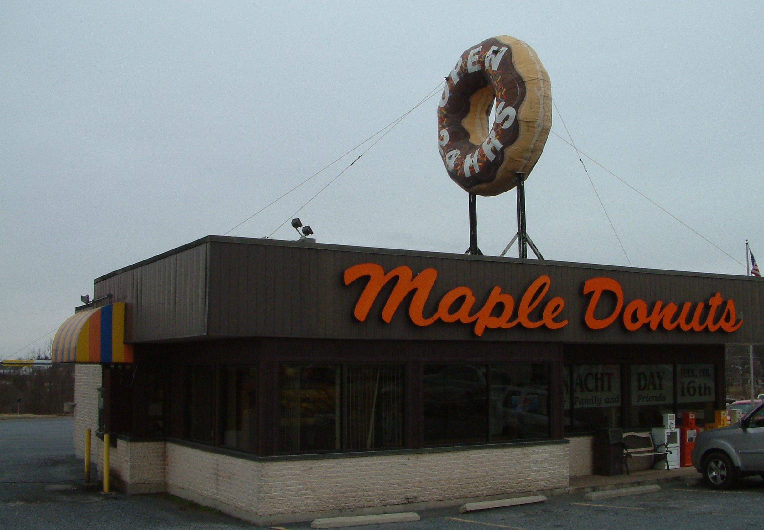 Maple Donuts Exterior